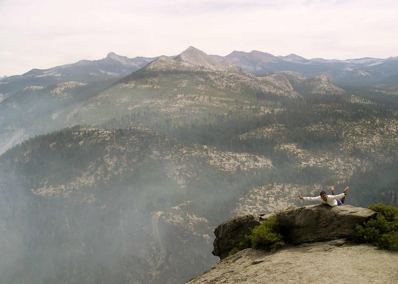 A Family Trip to Yosemite with Forest Fires and Photography on Falcondale Life Blog. Smoke from Big Meadow Fire 2009