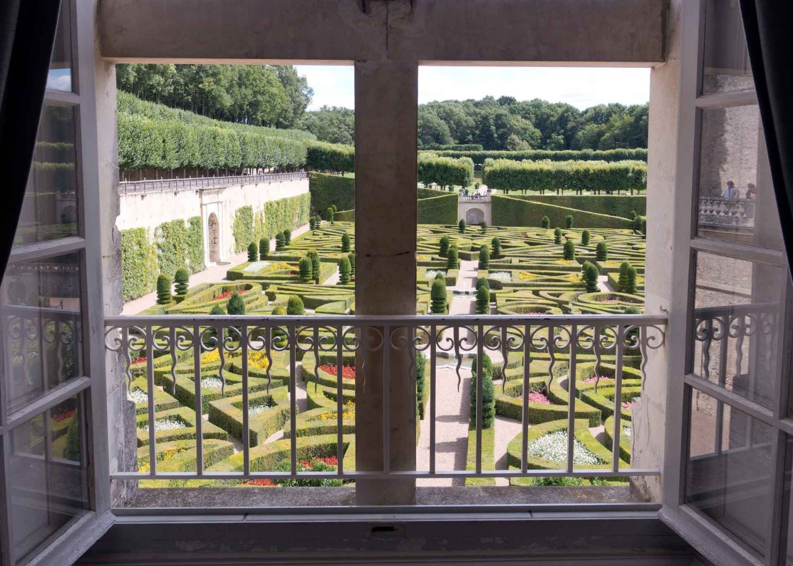 A Hard Lesson in Garden Design at Chateau Villandry on Falcondale Life Blog. This Loire Valley Chateau is famous for its formal French Renaissance gardens and is popular place for tourists to visit. I was struck by the contrast between French and English landscaping in the 18th century.