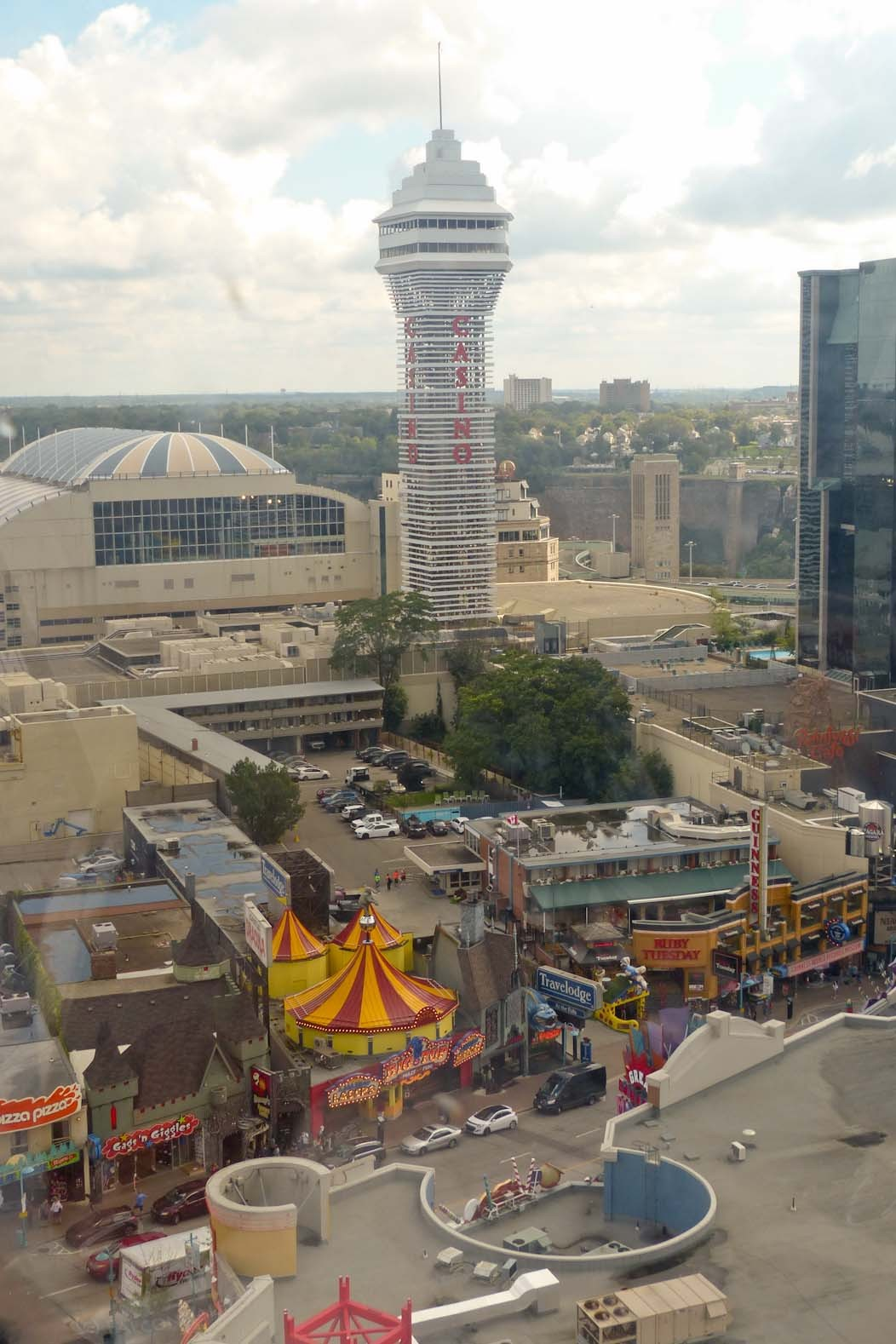 All the fun of the falls with the Clifton Hill Fun Pass, Niagara, Canada on Falcondale Life blog. A visit to Niagara Falls is an all-round resort experience with the Clifton Hill Fun Pass. Six fun attractions in one value ticket. Full review and photos.