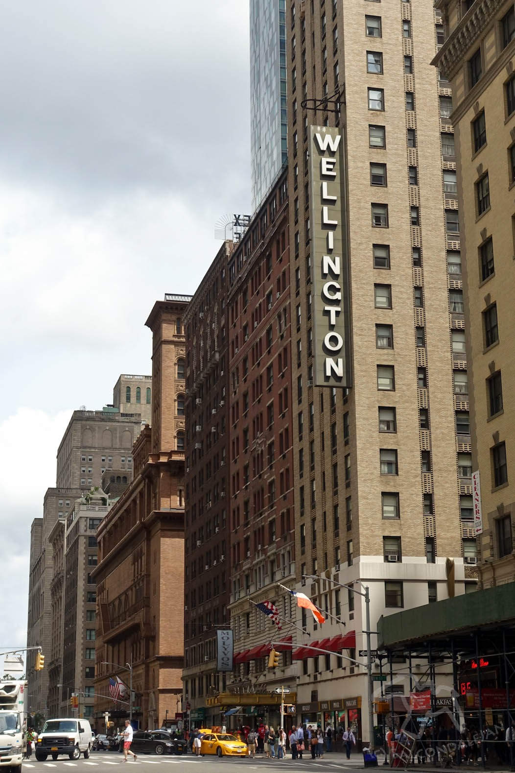 New York in Three Days as a Family - With Help from Frank Sinatra on Falcondale Life Blog. Tick boxes on this Sinatra inspired 3 day itinerary of New York City. A family holiday stay at the Wellington Hotel. A list of vacation tips and tour ideas. The Wellington Hotel NYC.