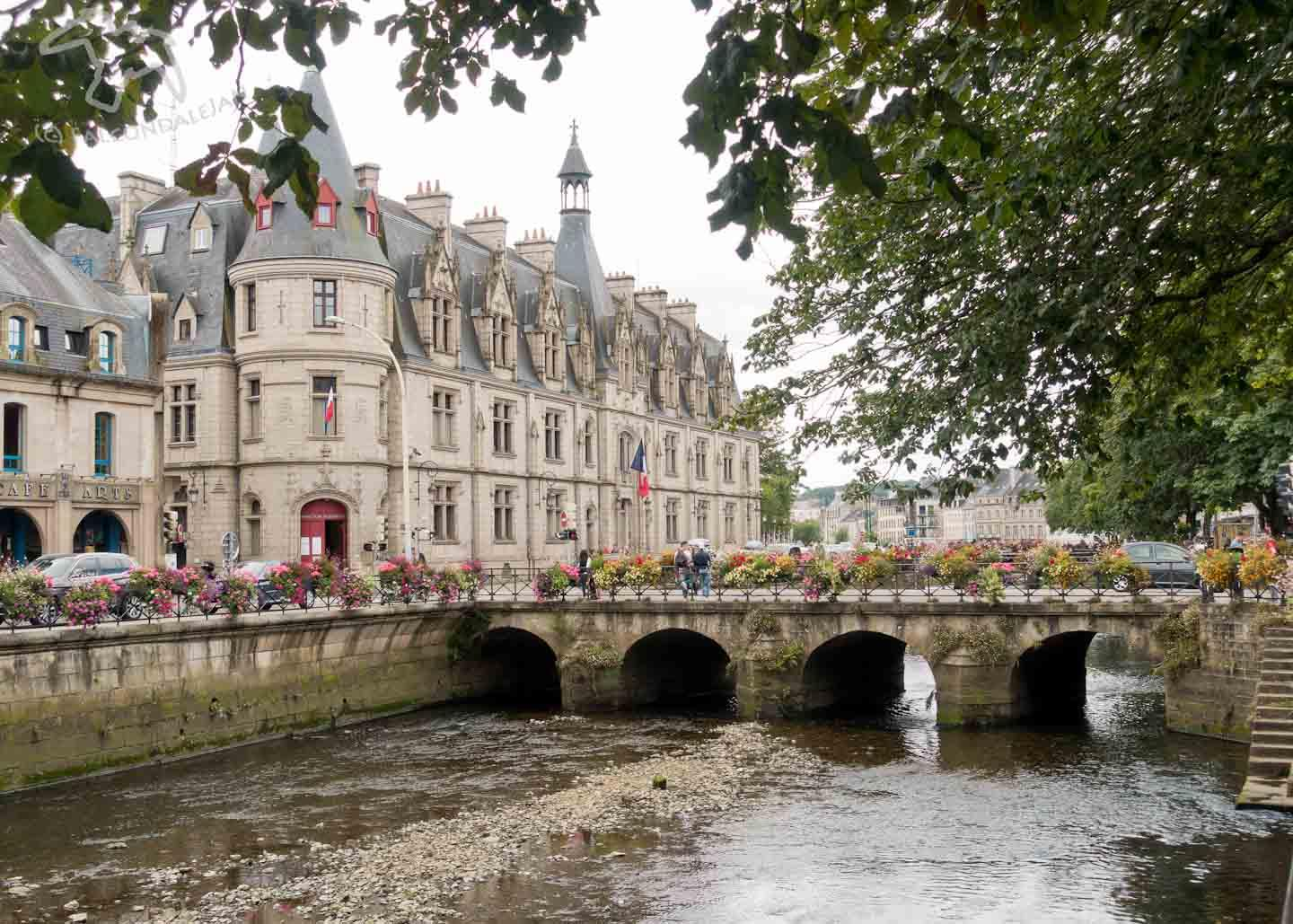 Take a Walk with the Family through Quimper, Brittany on Falcondale Life blog. A walking route with children through the picturesque old Breton city of Quimper. A short walk with beautiful photographs and detailed directions. Family friendly French holiday information.