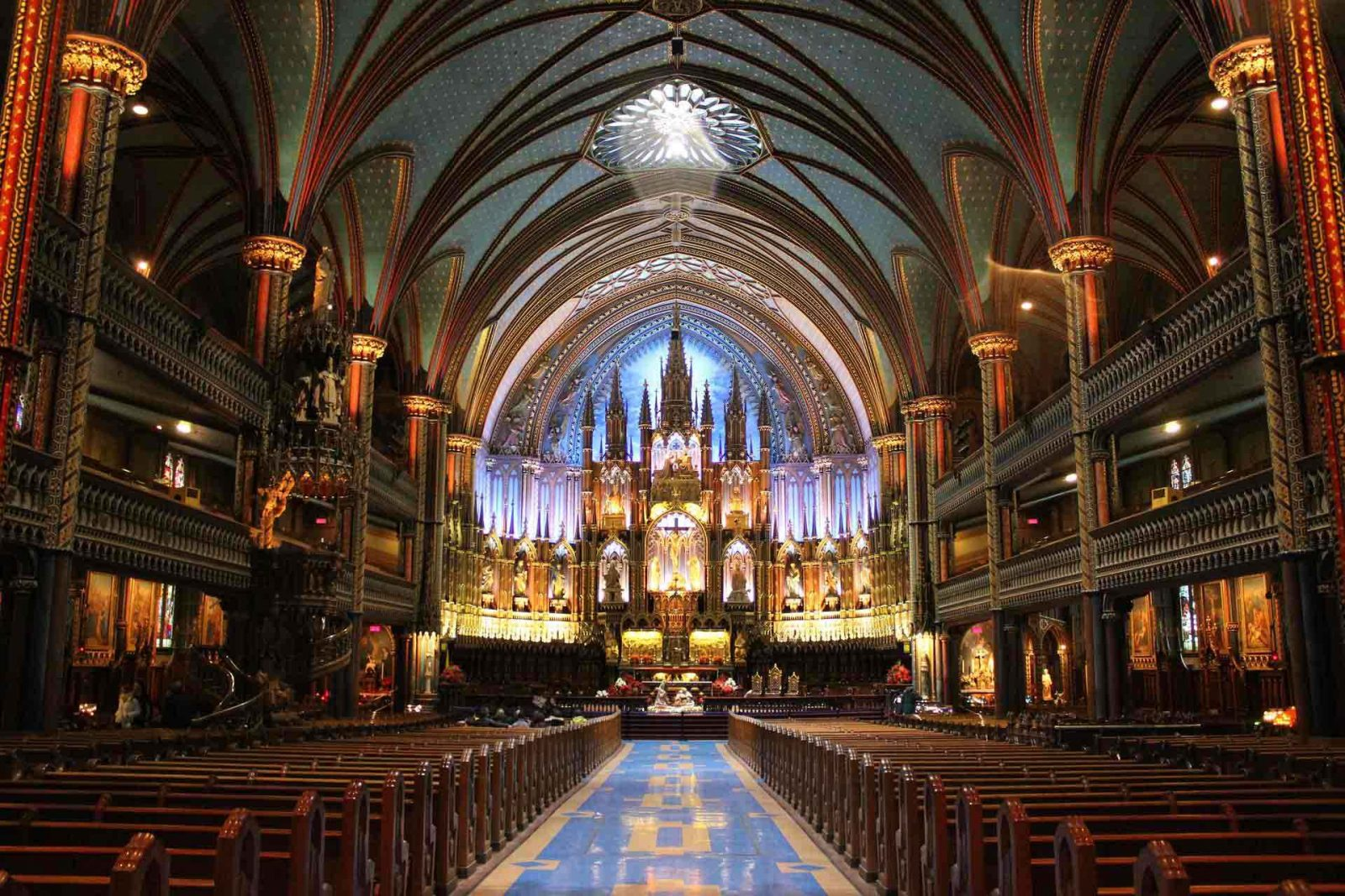 Eight must see sights for kids in Montreal on Falcondale Life blog. Guest post by Samara from TinyFry. Notre Dame Montreal on Creative Commons licence courtesy of Pixabay. There's lots for kids of all ages in Montreal, it's a great family travel destination in Canada.