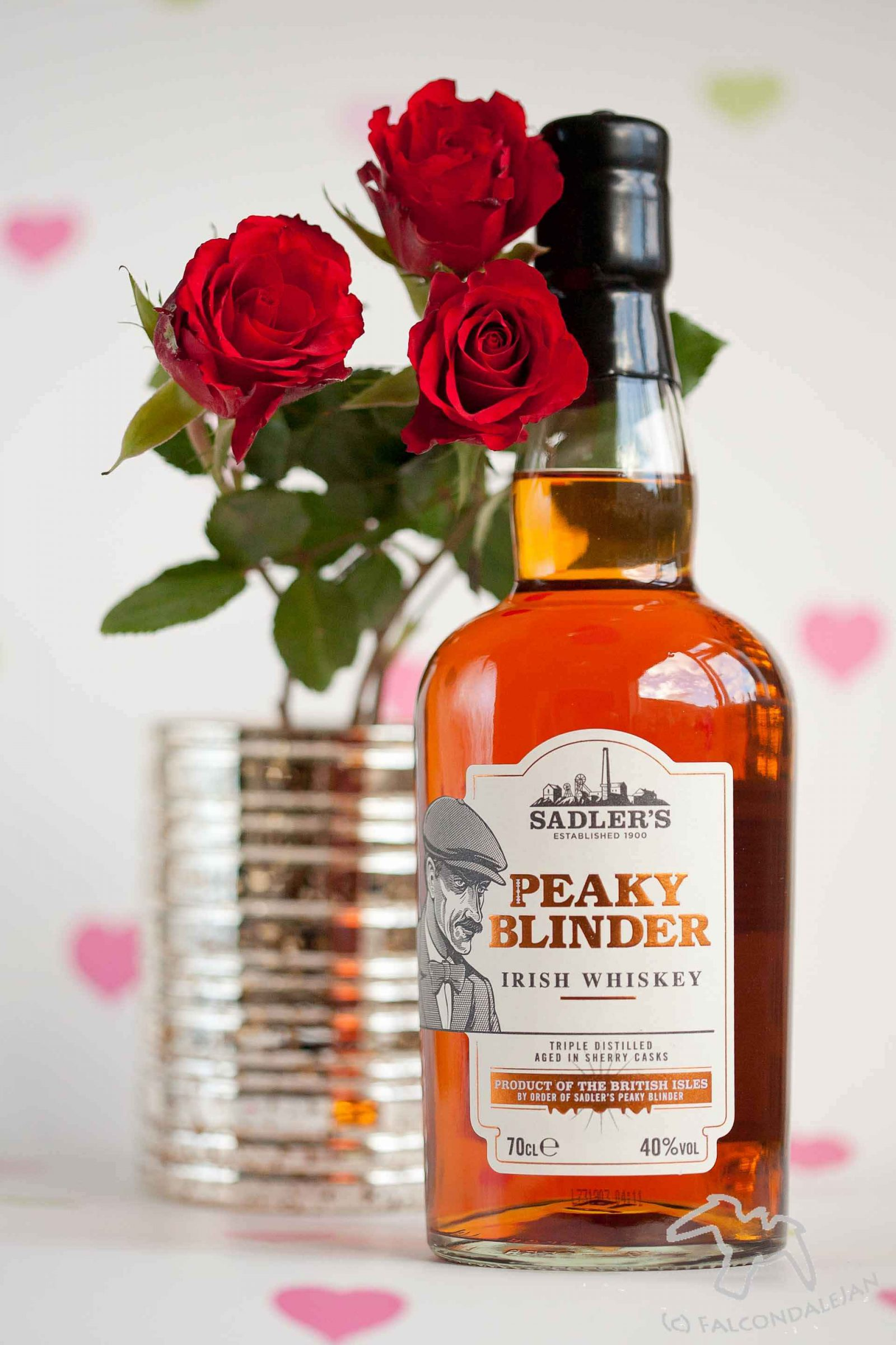 Peaky Blinder Irish Whisky with roses and hearts. Boozy Valentine's Gift Guide and Drinks Review on Falcondale Life blog. Unusual alcohol and gifts for drinkers on Valentine's day. Get something for him or her which is more interesting that just chocolate and wine. On test: Liqueurs, whisky, brewing kit, drinking game. Boozy gifts reviewed by FalcondaleJan.