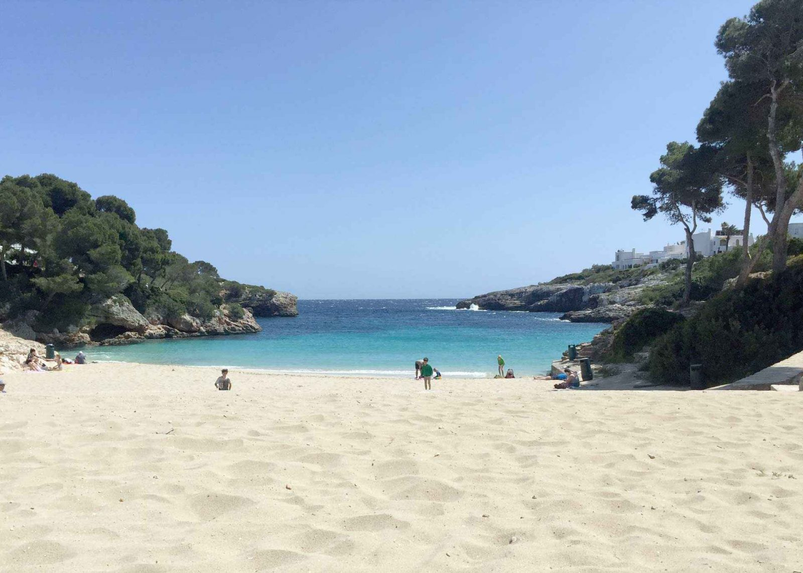 How to choose your destination for a one week holiday in the sun on Falcondale Life blog. If you've just got one week off work, how do you choose a holiday destination in the sun to get the most out of a relatively short break? Here are tops to help select your one week holiday destination flying from the UK, and don't miss out on the best vacation experiences. Image description: beach in Majorca