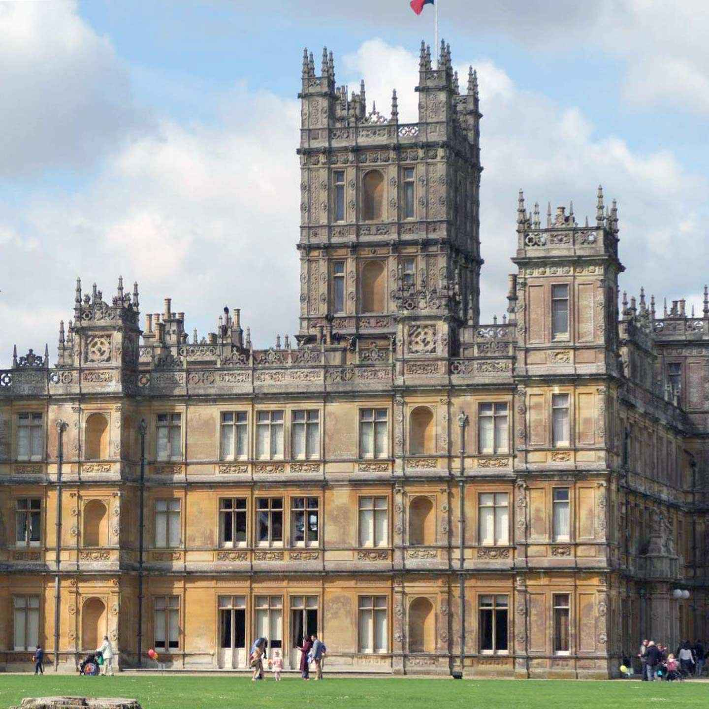 Make a connection with your destination by visiting places from your favourite movies and TV shows. I was inspired to travel by dramatic views and culture. Be Inspired to Travel by Movies and TV on Falcondale Life blog. Image description: Highclere castle, the filming location of Downton Abbey.