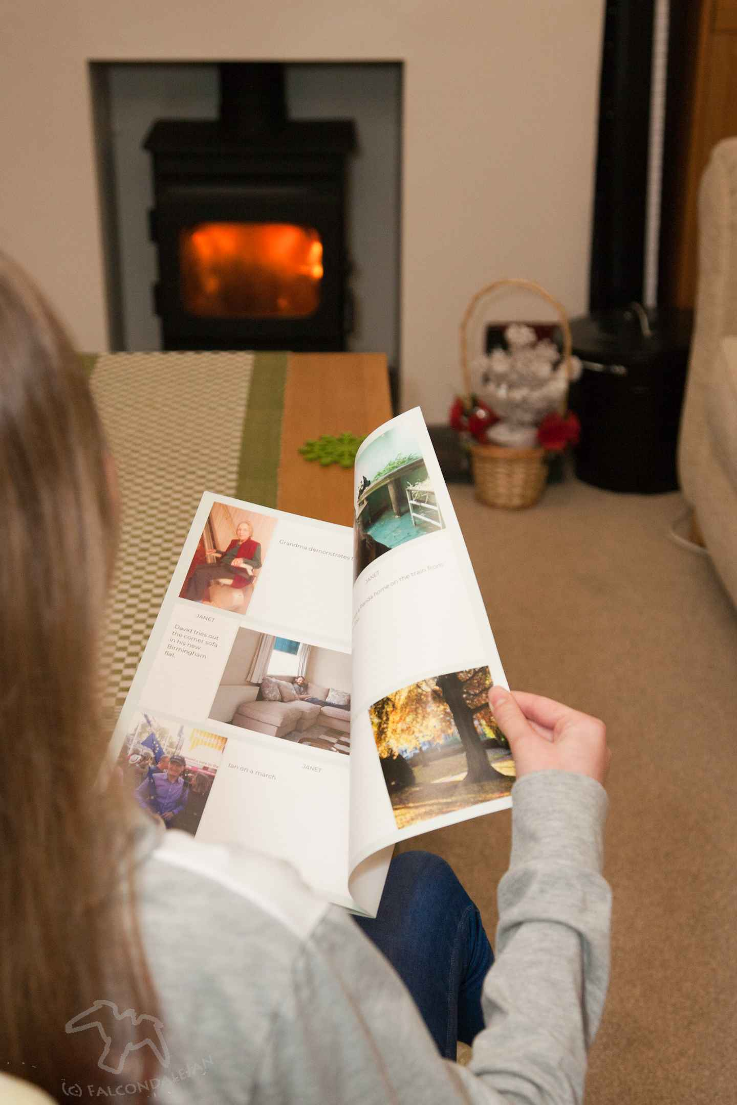 We test a photo sharing app which sends your family snaps every month as a printed album, perfect for Grandparents. Neveo, the photo sharing solution for keeping Grandparents in touch with Family on Falcondale Life blog. Image description: Flicking through the Neveo photo journal in front of a roaring fire.